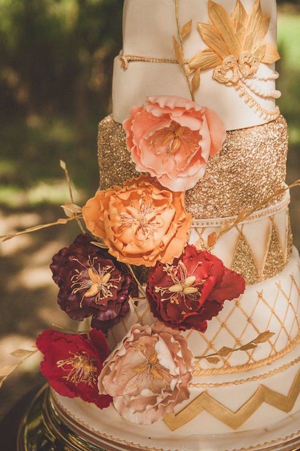 amazing peach gold and burgundy fall wedding cakes with a touch of glittery