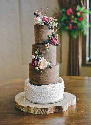 rustic wooden wedding cakes with flowers and fruits for fall 2016