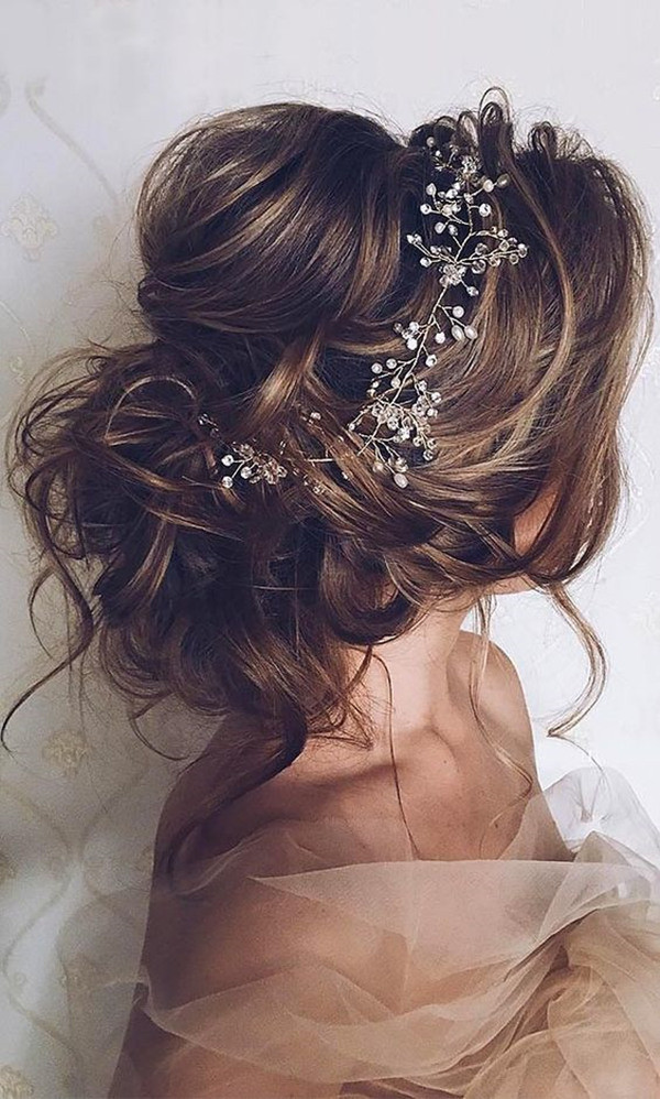 20 most romantic bridal updos wedding hairstyles to inspire your big romantic updo wedding hairstyles for long hair with headpieces junglespirit
