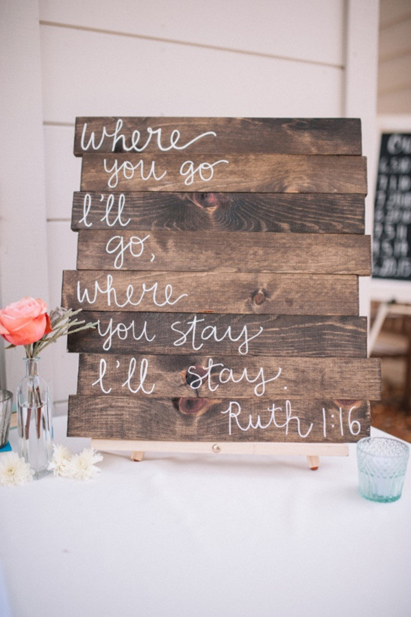 chic wooden signs for wedding reception ideas