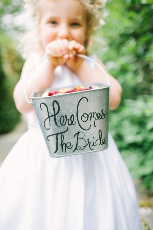 easy diy flower girl bucket for wedding ceremony