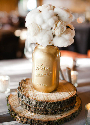 wedding centerpiece ideas for a cozy winter wedding