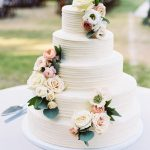 20 Perfect Wedding Cakes for 2017 Trends