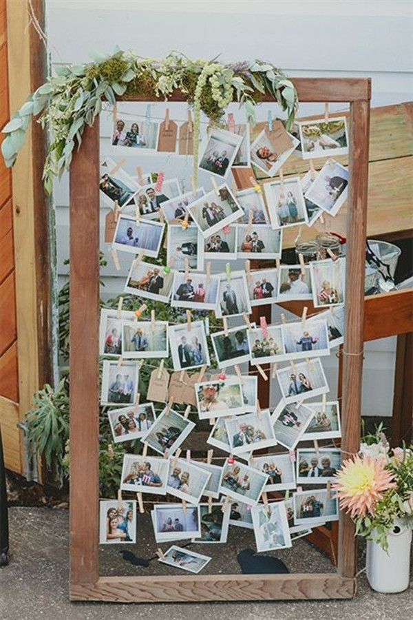 outdoor wedding ideas with frames for photo display