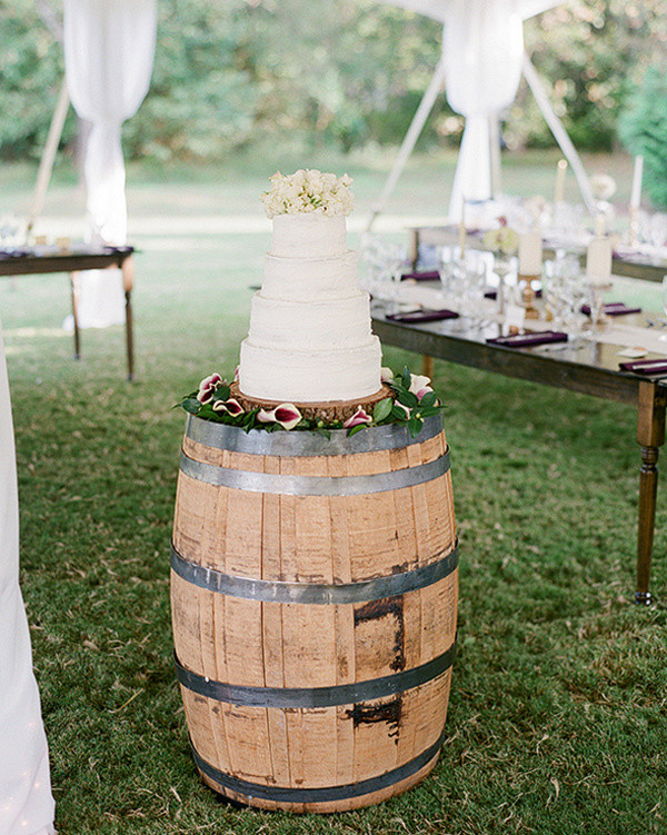 wine barrel wedding cake stand for country wedding ideas