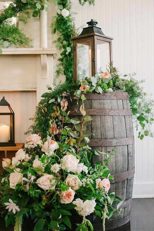 wine barrel wedding decoration ideas for 2017