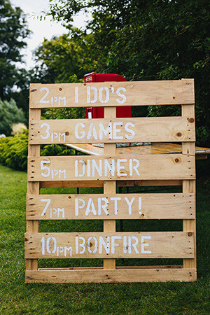 rustic wooden signs for backyard outdoor wedding ideas