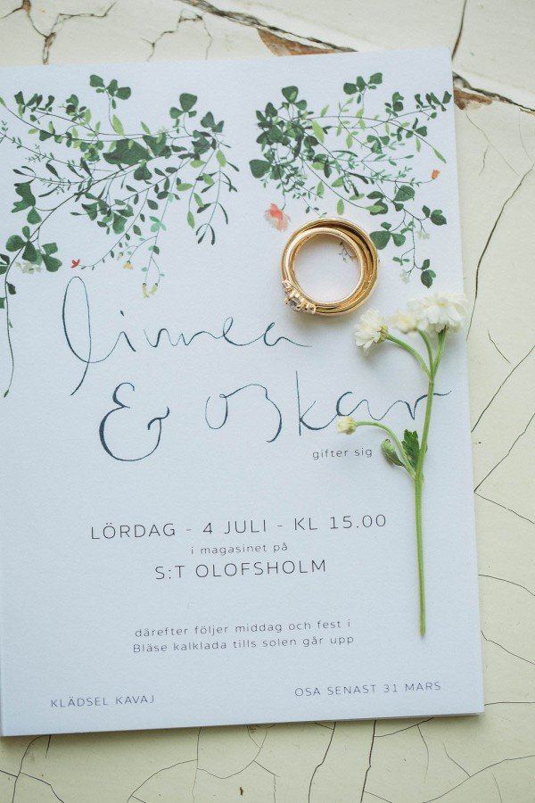simple but elegant greenery botanical wedding invitations