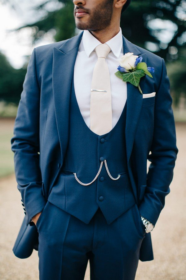 chic vintage groom suit wedding ideas