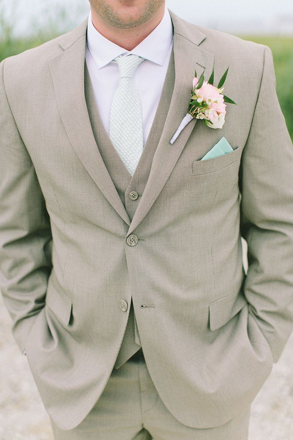 groom suit ideas for summer weddings