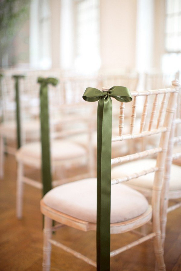 simple but elegant wedding chair decoration ideas with green ribbon