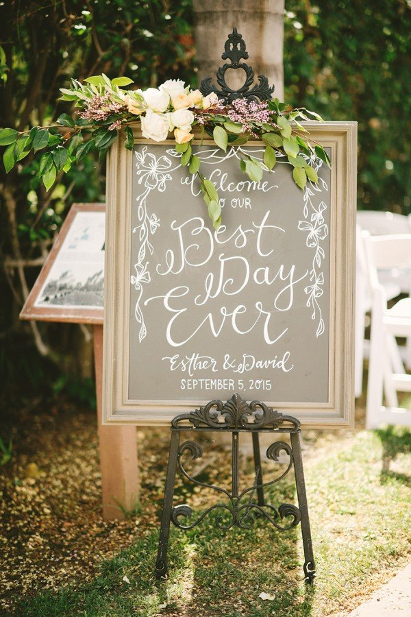 vintage wedding sign decoration ideas