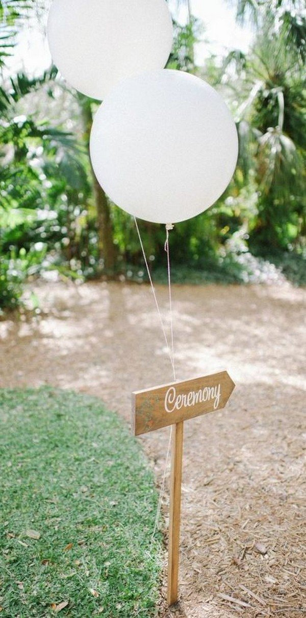 chic outdoor wedding direction decoration ideas with balloons