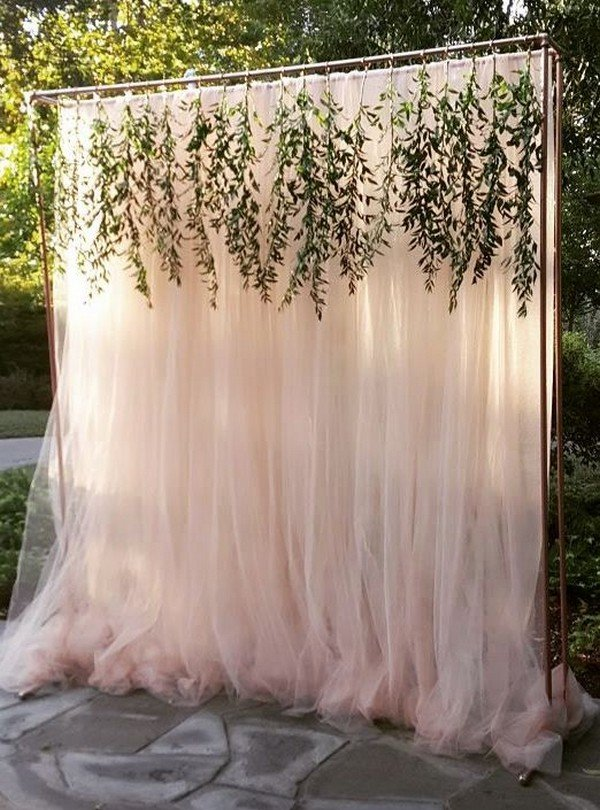elegant outdoor wedding backdrop ideas with greenery garland