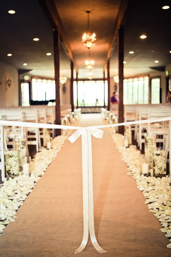romantic wedding aisle runner ideas