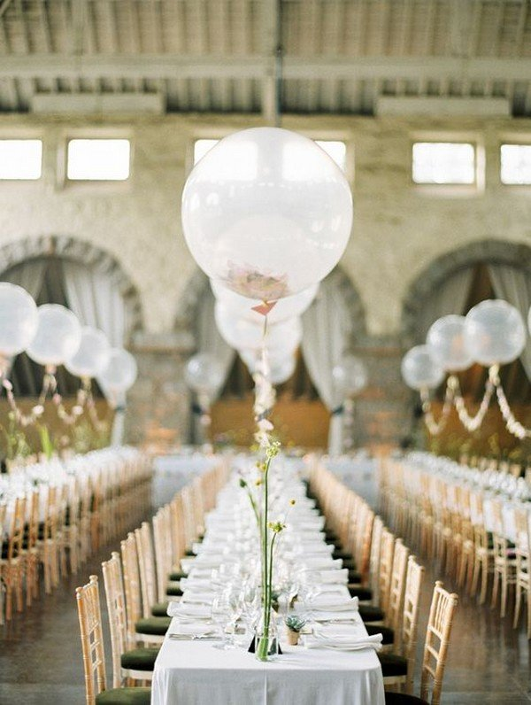 romantic wedding centerpiece ideas with balloons