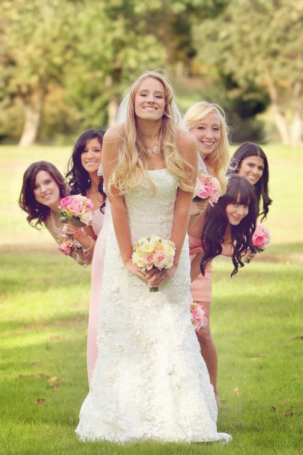 sweet bridal party bridesmaid wedding photo ideas