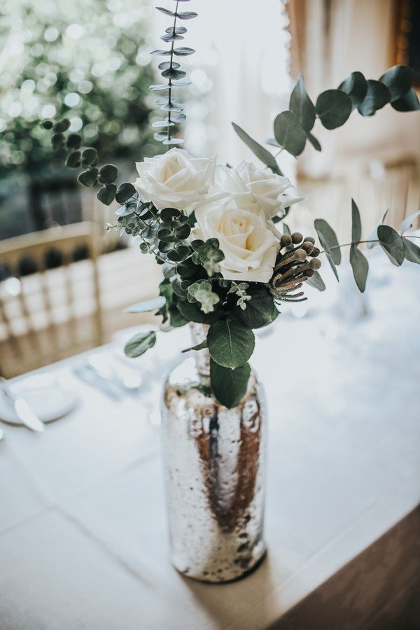 chic vintage white and green wedding centerpiece ideas