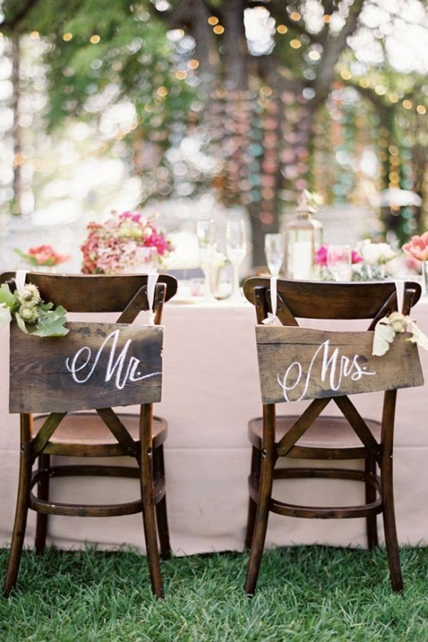 country rustic bride and groom wedding chair decorations