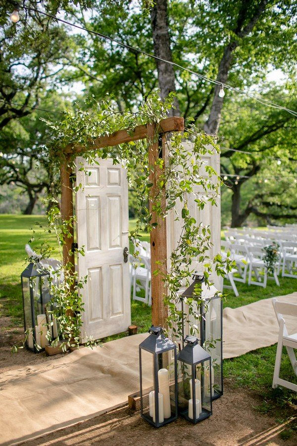 10 amazing wedding entrance decoration ideas for ceremony for Wedding door decorating ideas