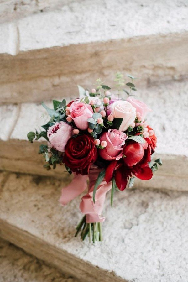 romantic rose wedding bouquet ideas
