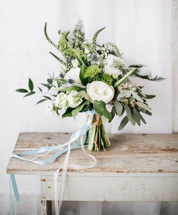 green and grey wedding bouquet ideas for 2018