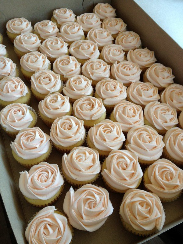 pink roses wedding cupcake ideas