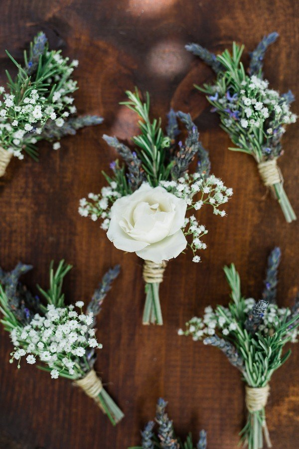 rustic chic groomsmen boutonniere ideas