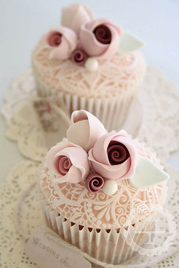 vintage lace wedding cupcakes