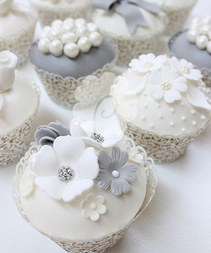 white and gray elegant wedding cupcakes