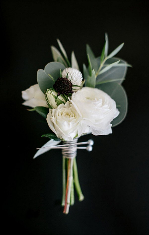white and greenery wedding boutonniere ideas