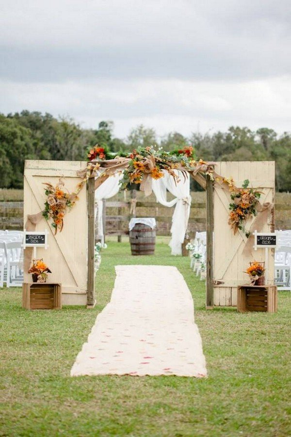 Rustic Outdoor Wedding Entrance Decoration Ideas With Old Door