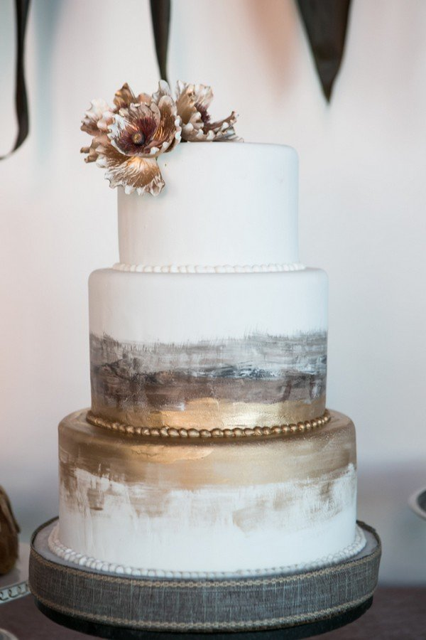 unique gold and silver metallic wedding cake ideas