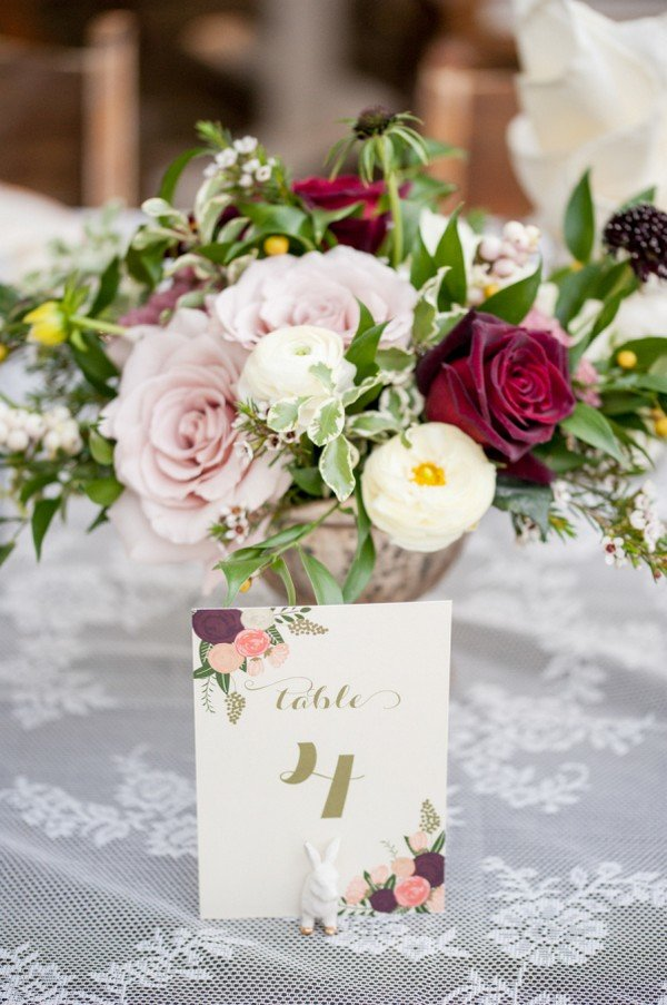 burgundy and blush floral wedding centerpiece ideas