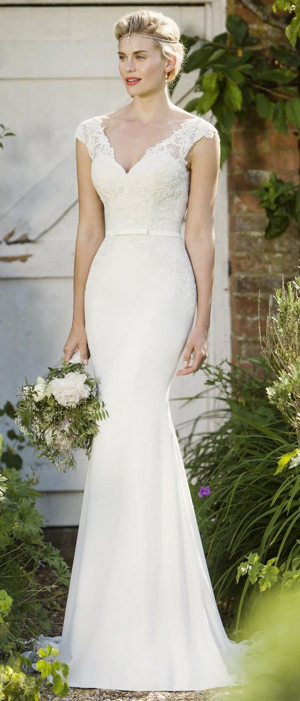 elegant v neck bridal gown from true bride W275