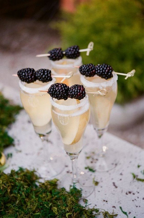 wedding signature drinks with mulberries