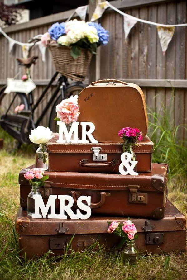 16 travel themed wedding ideas that inspire oh best day ever vintage suitcases wedding decoration ideas junglespirit Images