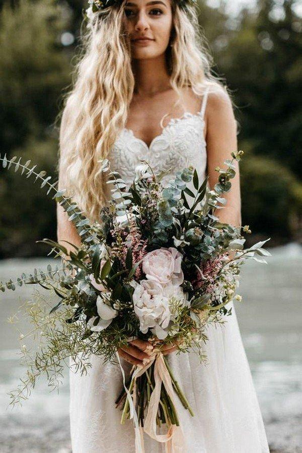 chic greenery moody wedding bouquet ideas