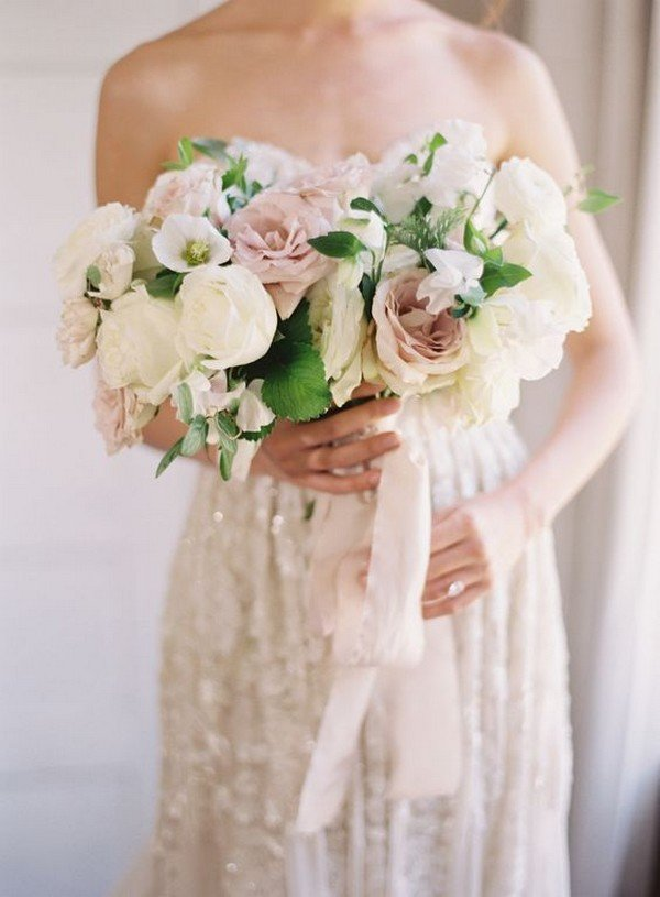 neutral roses wedding bouquet ideas