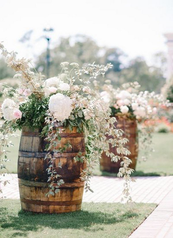 wedding decoration ideas with wine barrels