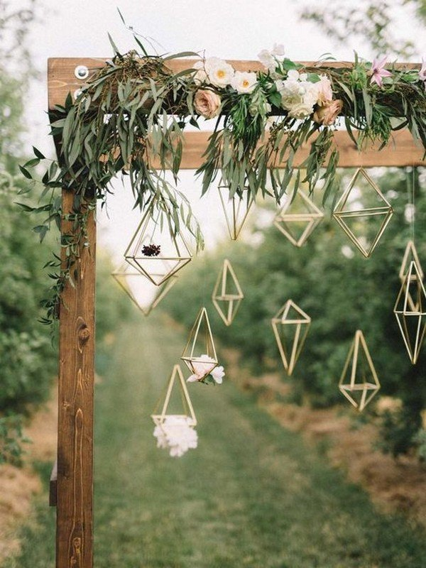 chic wedding arch decoration ideas with geometrics