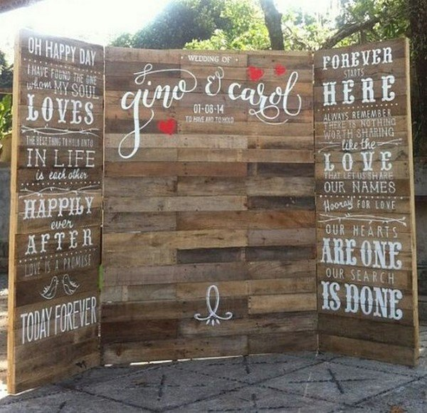 rustic wooden wedding photo booth backdrop ideas