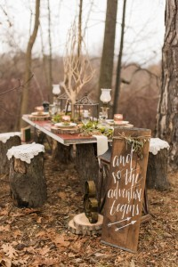 rustic woodland wedding decoration ideas with wooden signs