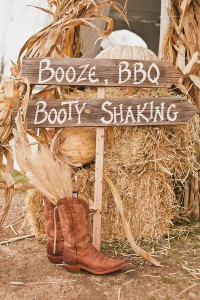 creative wood signs for country wedding ideas 2017