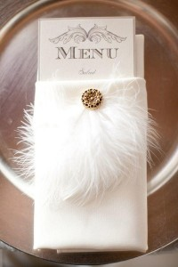 feather inspired vintage wedding table setting ideas