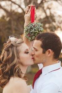 christmas inspired wedding photo ideas