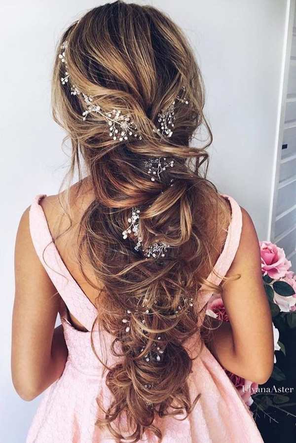 Top 20 wedding hairstyles youll love for 2018 trends oh best day ever long bridal hairstyles with headpieces for 2017 trends junglespirit Choice Image