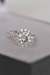 round shaped wedding engagement rings