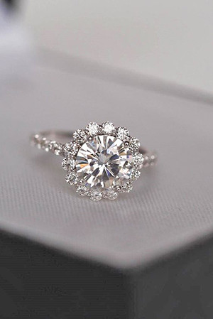 round shaped wedding engagement rings