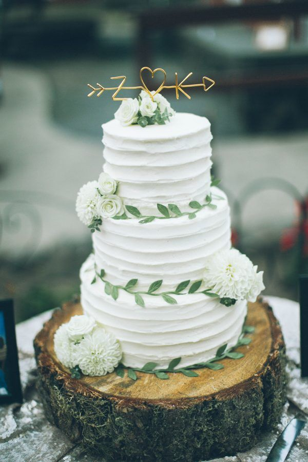 chic rustic white and green wedding cakes for 2017 trends